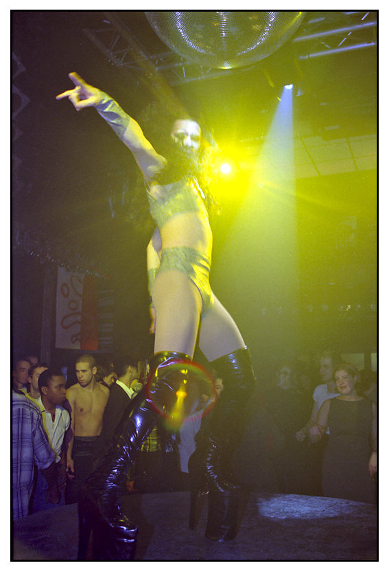 Soirée Disco, Thanee, le Scorp, Paris, 1999.